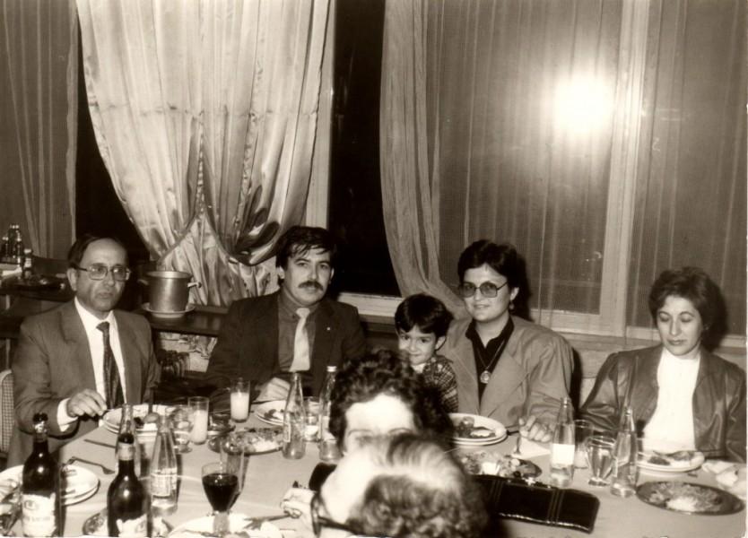 Dr. Orhan Sabuncuoğlu (Çocuk Uzm.), Dt. Recep Aydoğdu - Papağan Restaurant (1983)