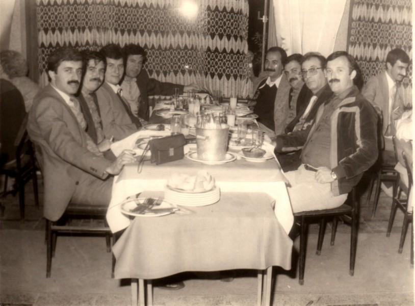 İdare Müd. Ali Keskin, Dt. Recep Aydoğdu, Dt. Yaşar Gürsoy, Dt. Basat Budak, Dt. Atilla Erim, Dt. Salih Akalınoğlu, Dr. Nejat Kınalı, Dt. Muharrem Kuş - Yusuf Restaurant (1983)