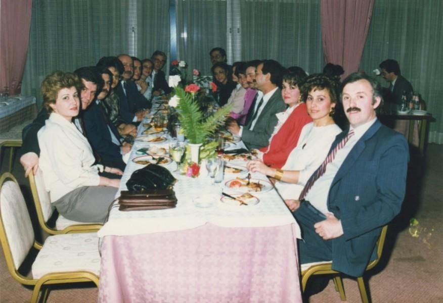 Dt. Roksan Gürsoy, Dt. Yaşar Gürsoy, Dt. Recep Aydoğdu, Dt. Mete Atala, Dt. Nurtan Akboy, Dt. Servet Bötke, Dt. Salih Akalınoğlu, Dt. Atilla Erim, Dt. Muarrem Kuş - Oda Restaurant(OSB) (1984)