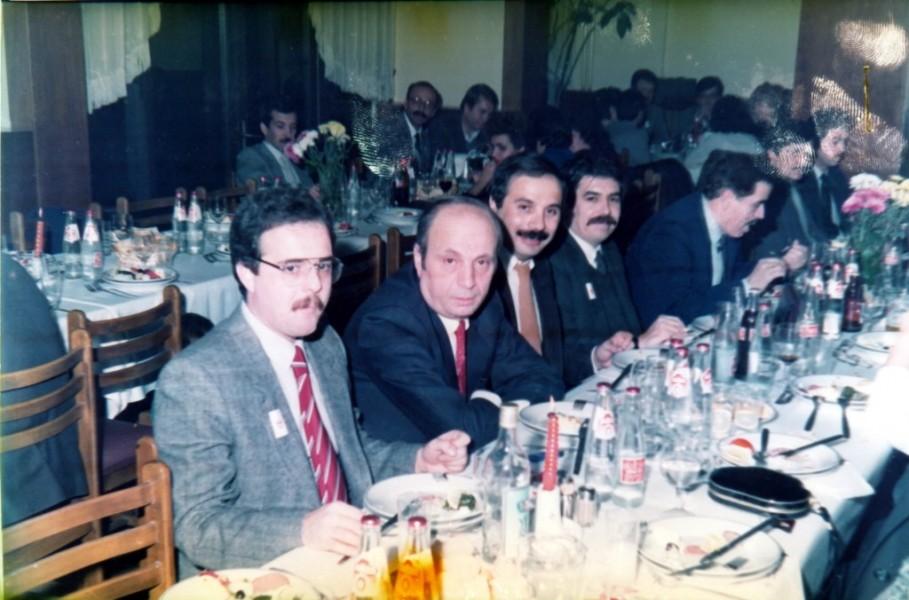 Op.Dr. Gürsu Özer (Baştabip Yard.), Op.Dr. Osman Nuri Avşar (Baştabip Yard.), Op.Dr. Baki Yakasız (KBB), Dt. Recep Aydoğdu (Baştabip Yard.) - Otel Büyükyıldız (1987)